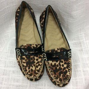Avon Leopard Print Loafer Size 7